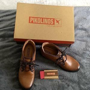 New Pikolinos Booties